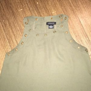 3(5)/$15 Trouve XS Army green sleeveless